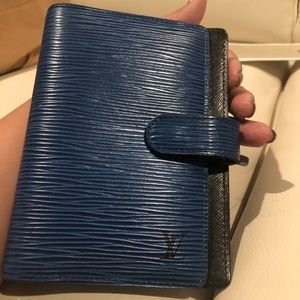 Louis Vuitton Agenda Epi blue